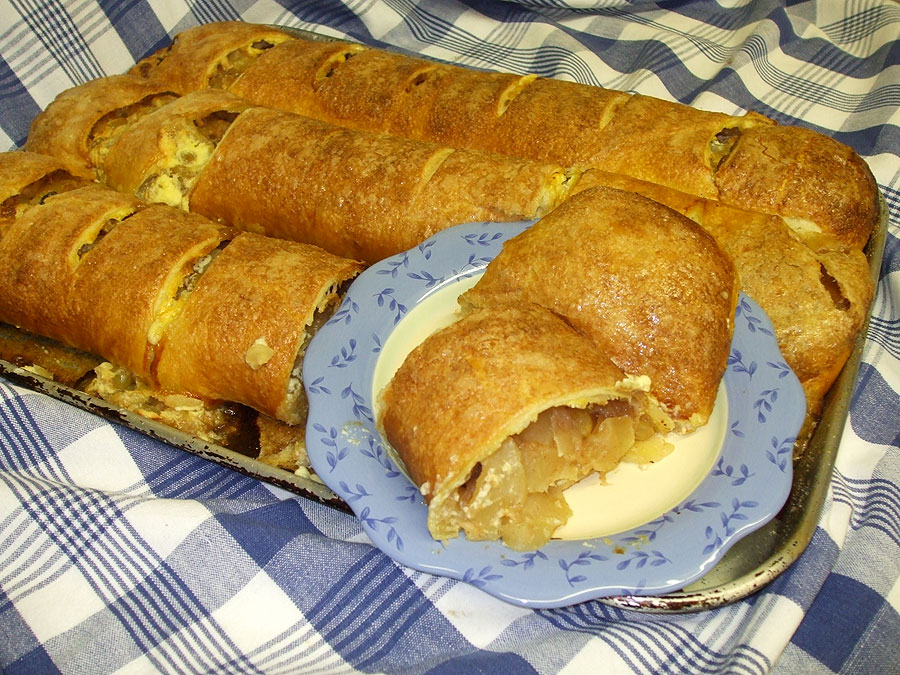Apple Strudel (1 serving)